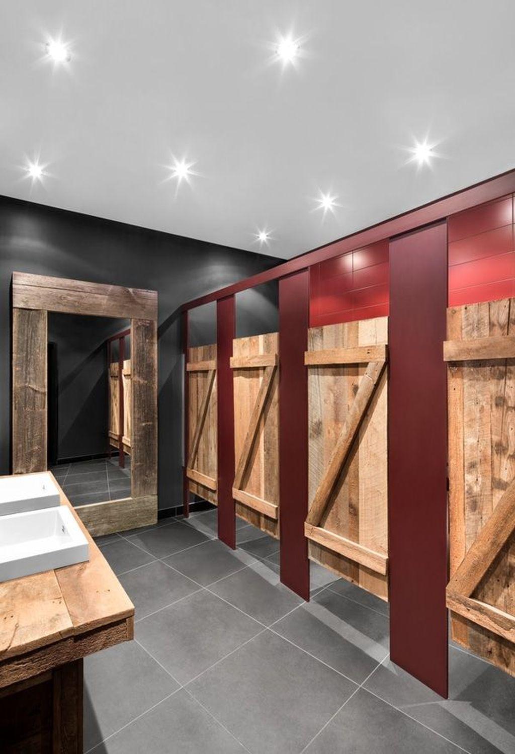 Amazing Rustic Barn Bathroom Decor Ideas 29