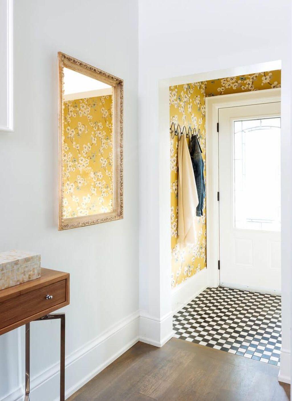 Amazing Small Entryway Decor Ideas 06