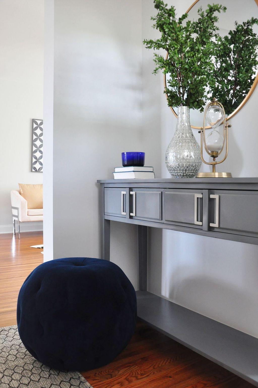 Amazing Small Entryway Decor Ideas 18
