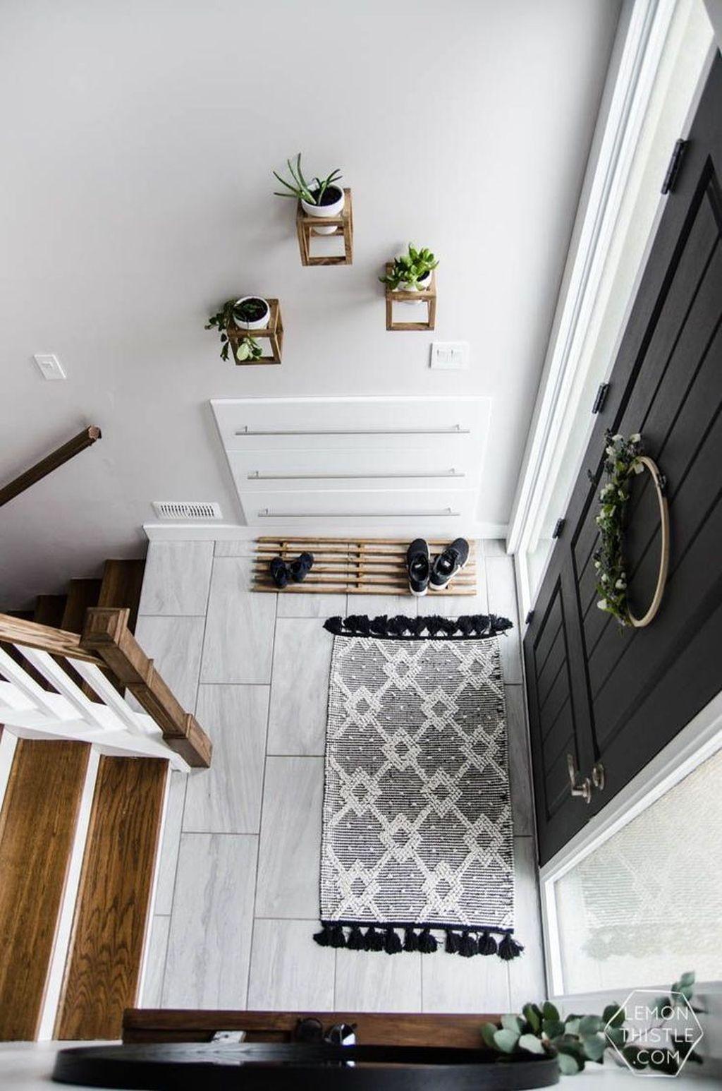 Amazing Small Entryway Decor Ideas 28