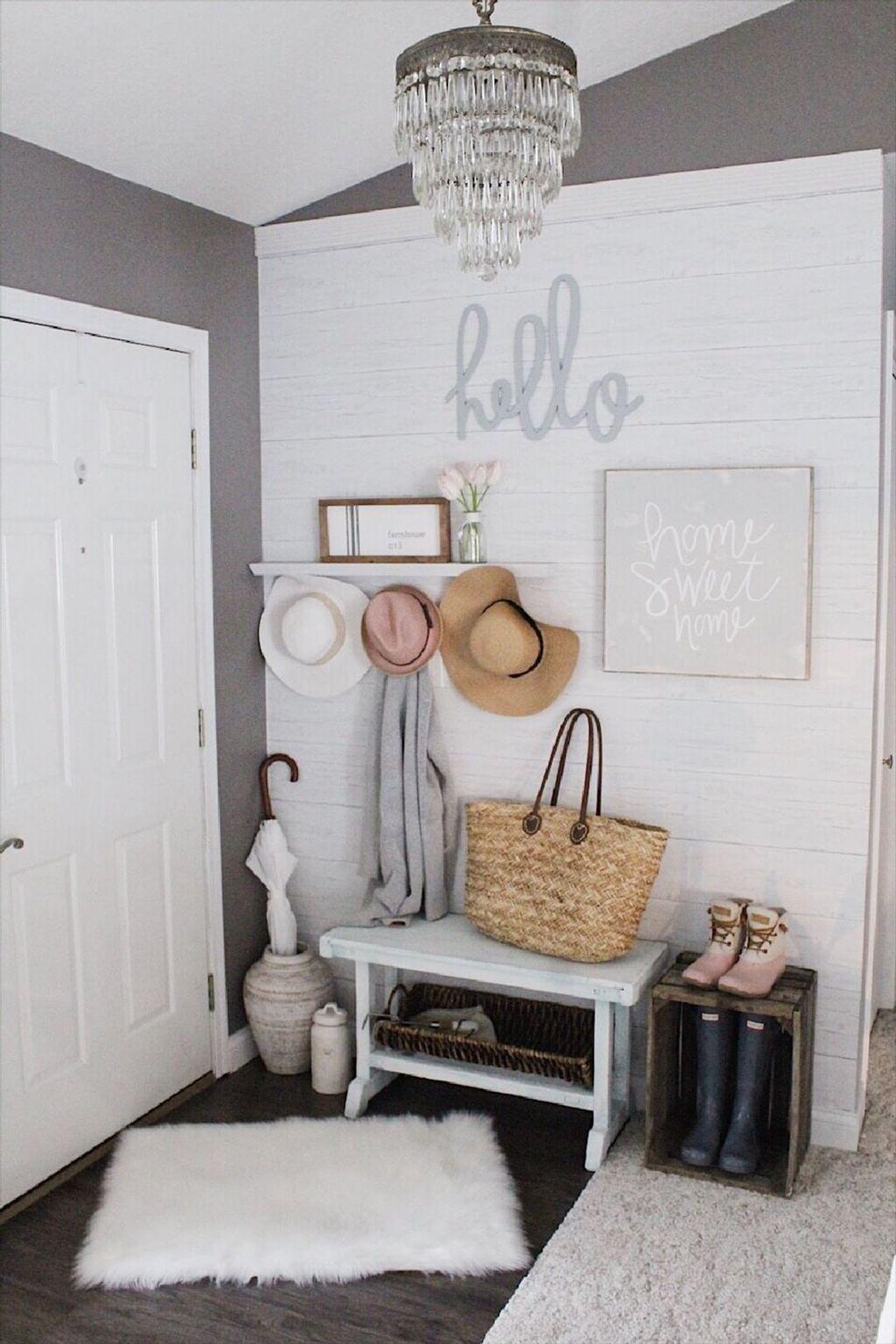 Amazing Small Entryway Decor Ideas 33
