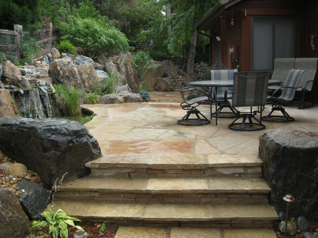Awesome Flagstone Patio Design Ideas 16