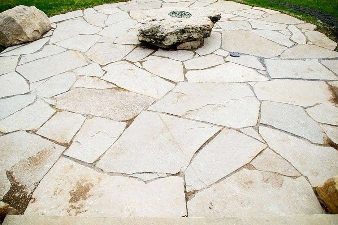 Awesome Flagstone Patio Design Ideas 28