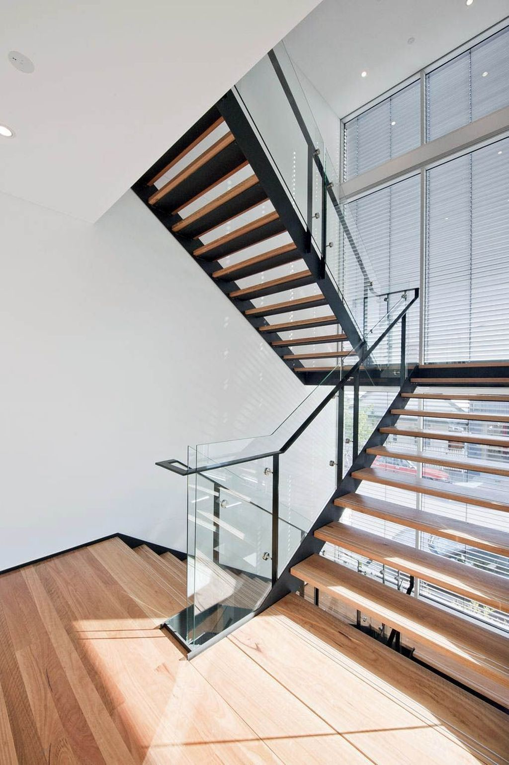 Awesome Modern Glass Railings Design Ideas For Stairs 03
