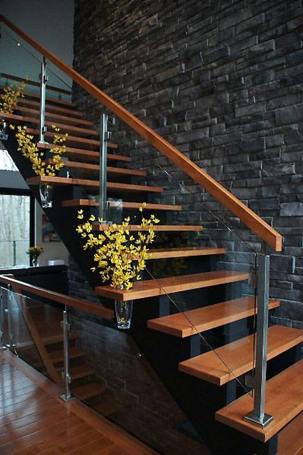 Awesome Modern Glass Railings Design Ideas For Stairs 04