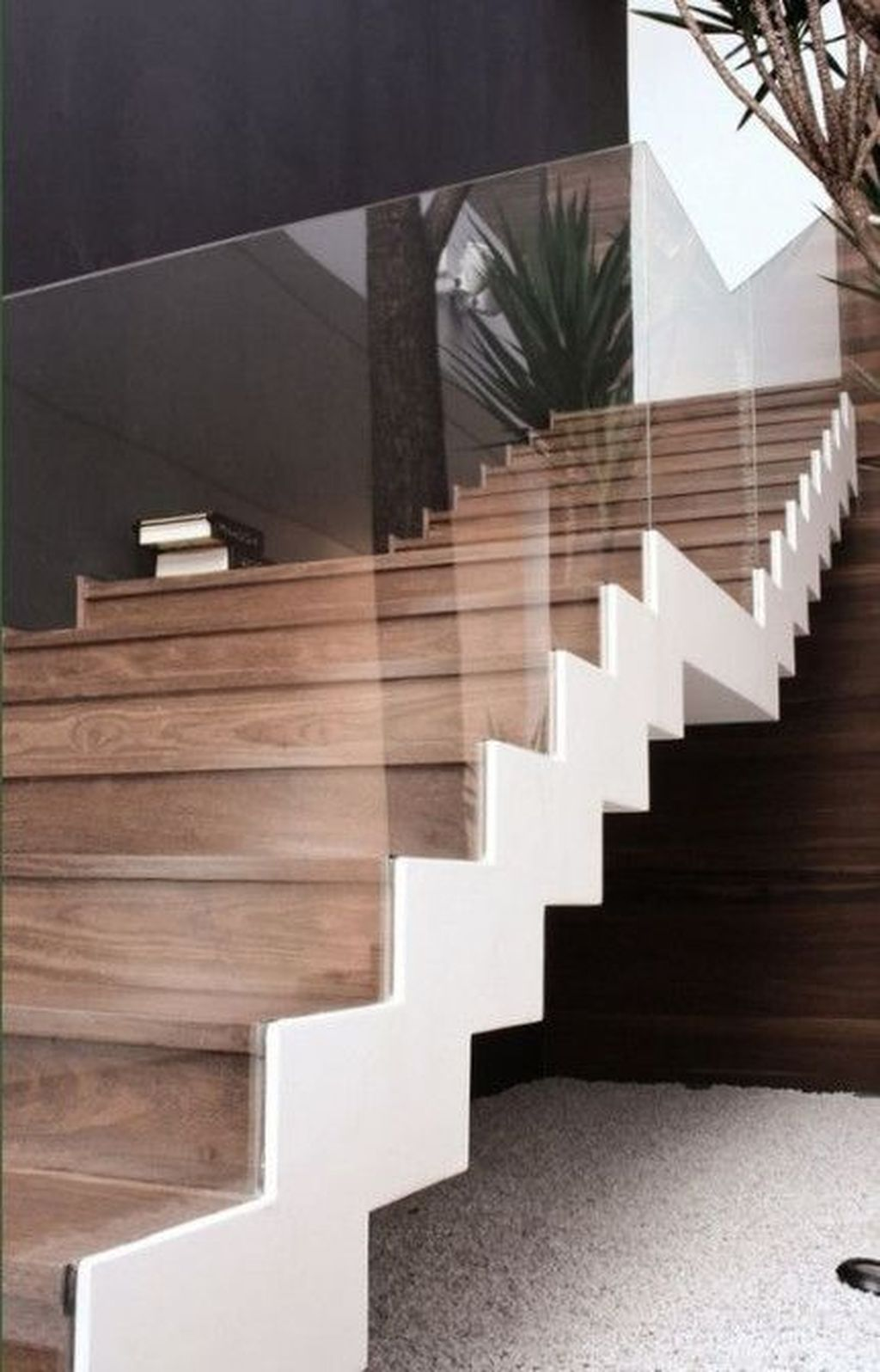 Awesome Modern Glass Railings Design Ideas For Stairs 14