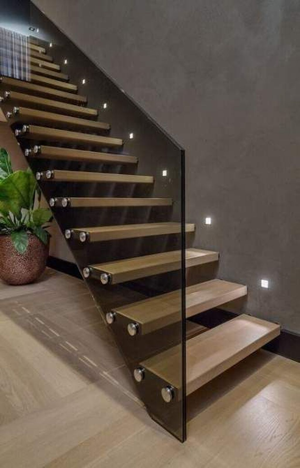 Awesome Modern Glass Railings Design Ideas For Stairs 23