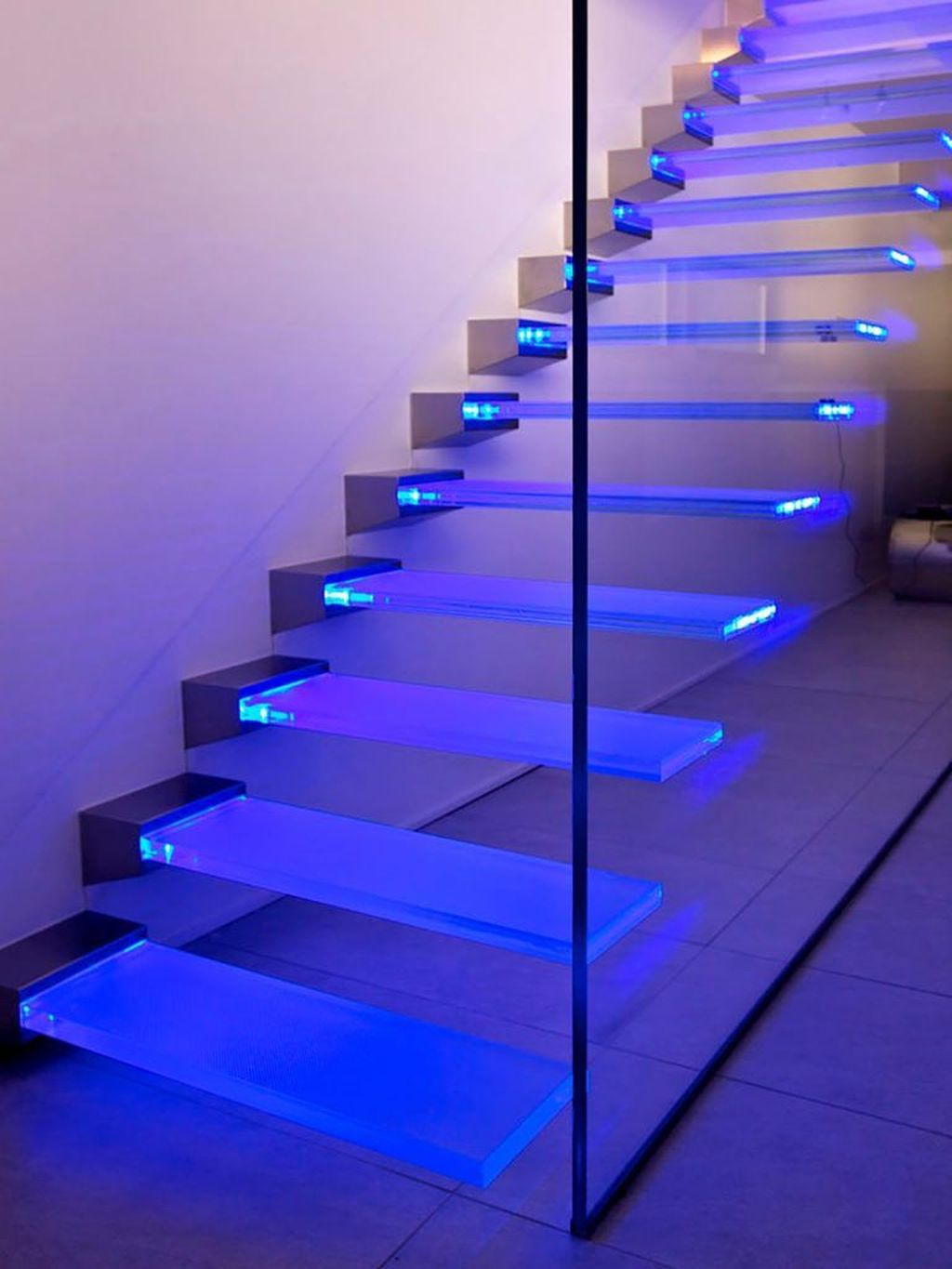 Awesome Modern Glass Railings Design Ideas For Stairs 25