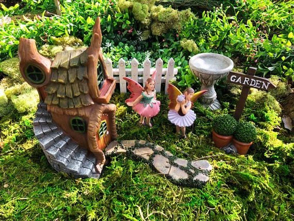 Beautiful Fall Fairy Garden Design Ideas 23