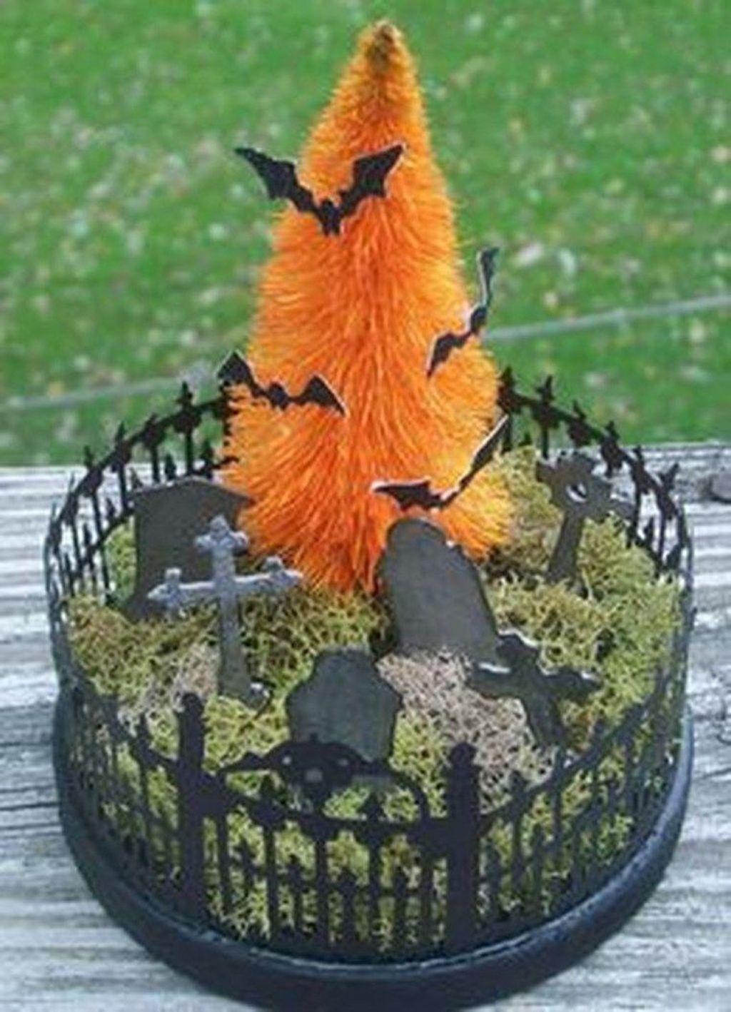 Beautiful Fall Fairy Garden Design Ideas 31