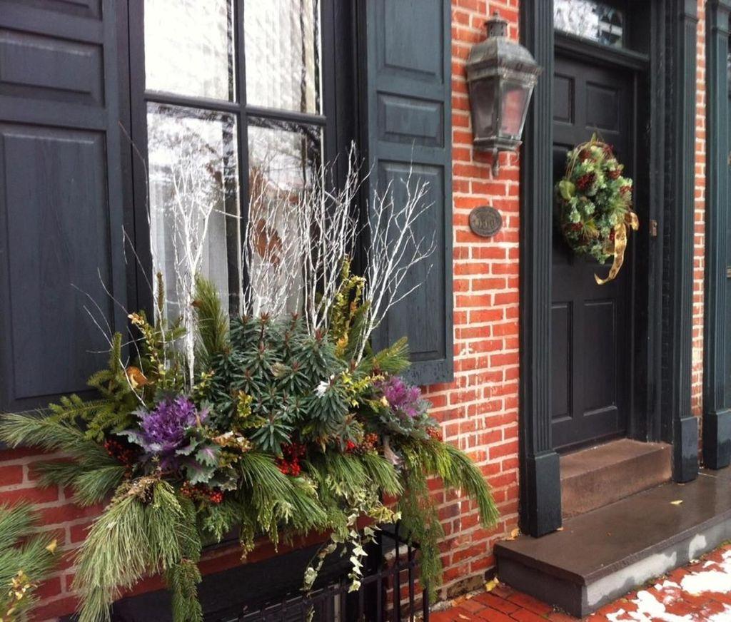 Beautiful Fall Window Boxes Design Ideas 22