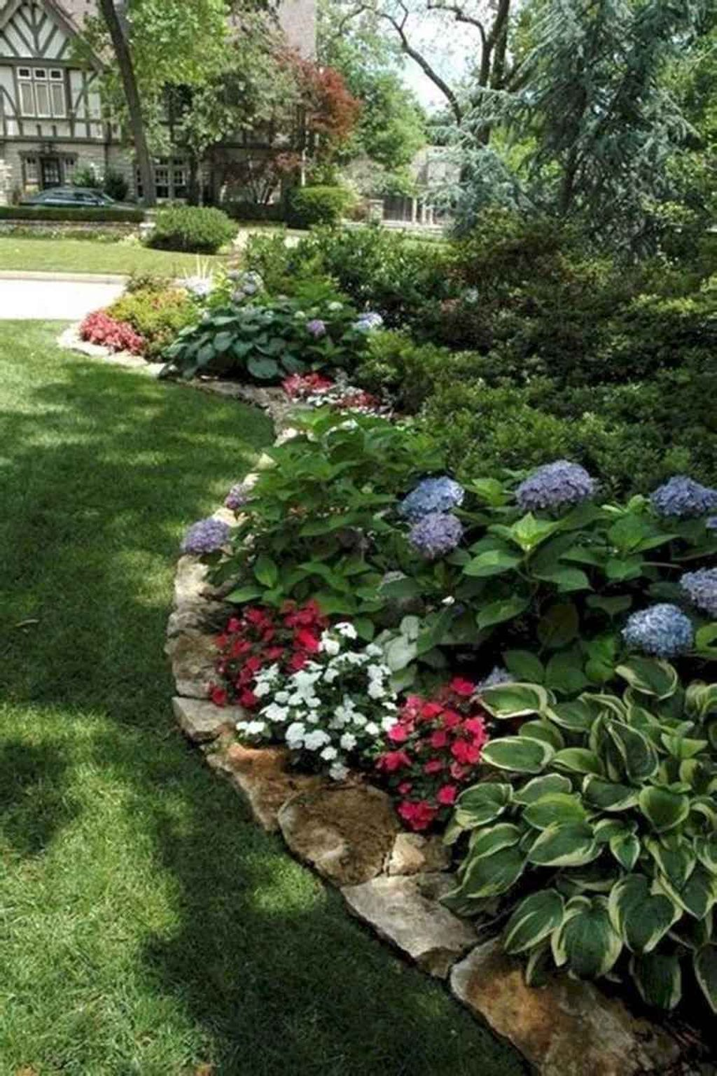 Beautiful Hydrangea Design Ideas Landscaping Your Front Yard 04