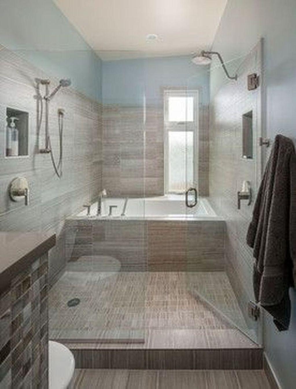 Beautiful Master Bathroom Design Ideas 33