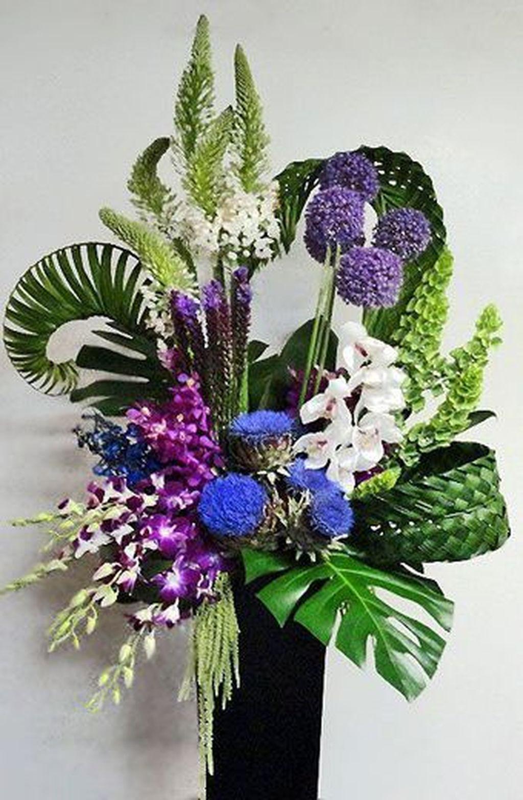 Beautiful Modern Flower Arrangements Design Ideas 08