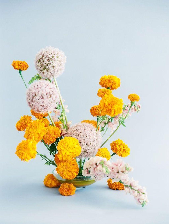Beautiful Modern Flower Arrangements Design Ideas 13