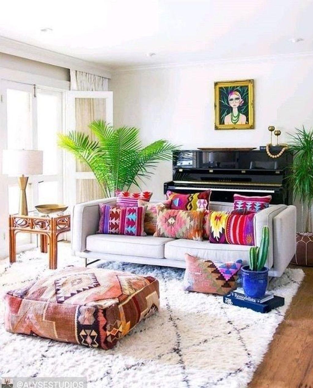 Fabulous Colorful Apartment Decor Ideas 19