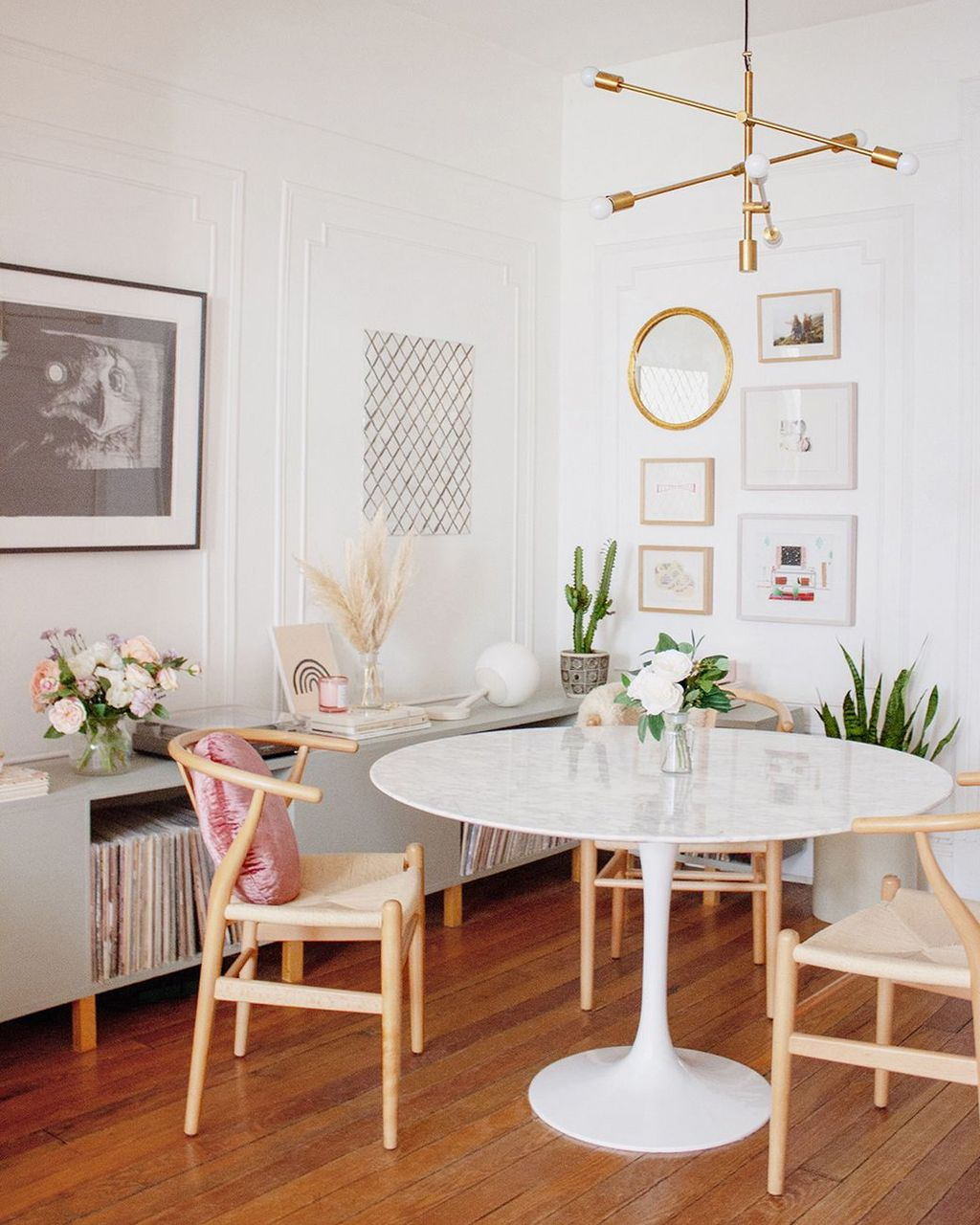 Fabulous Colorful Apartment Decor Ideas 25