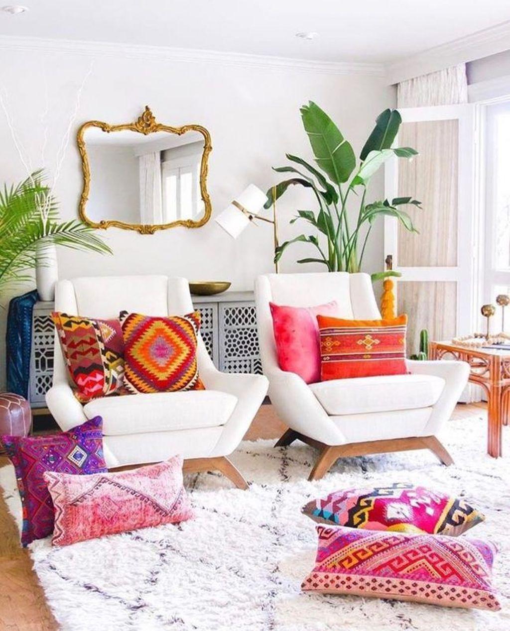 Fabulous Colorful Apartment Decor Ideas 26