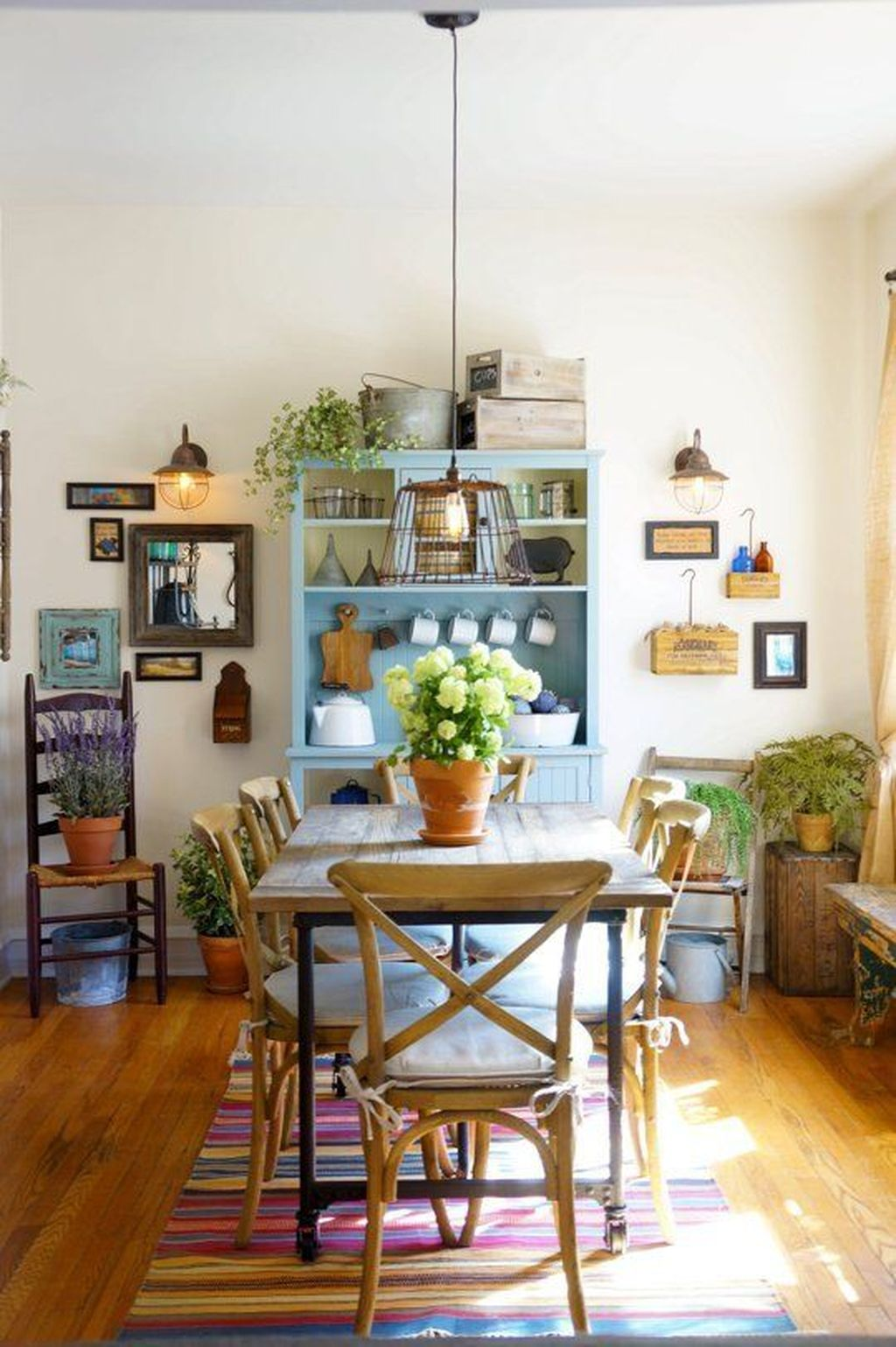 Fabulous Colorful Apartment Decor Ideas 32