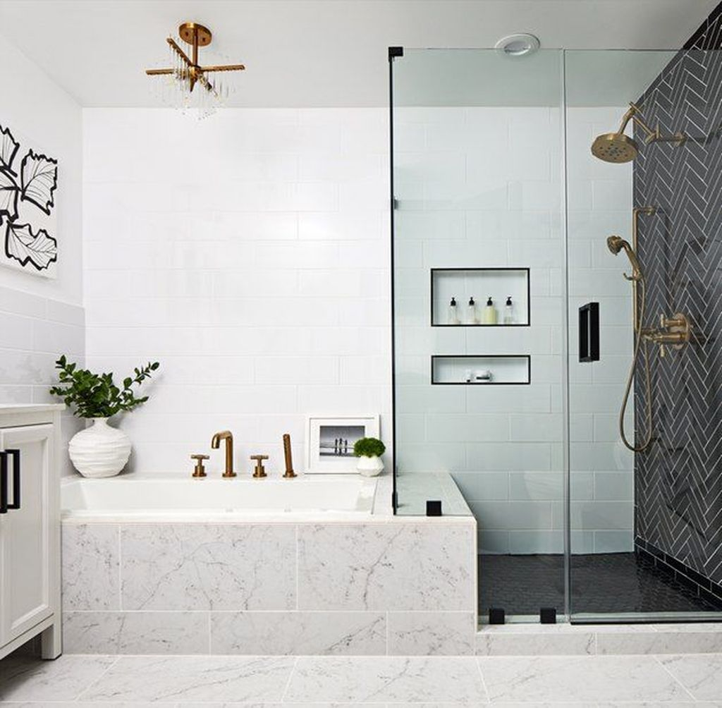 Fabulous Modern Master Bathroom Design Ideas 11
