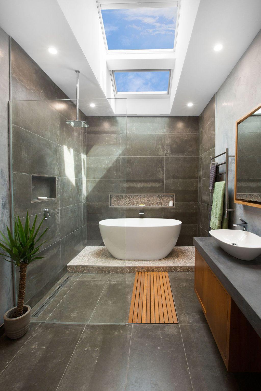 Fabulous Modern Master Bathroom Design Ideas 30