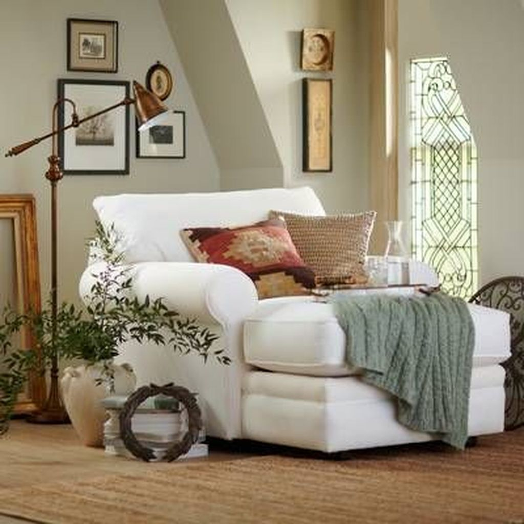 Gorgeous Comfy Chairs Design Ideas For Cozy Living Room 08