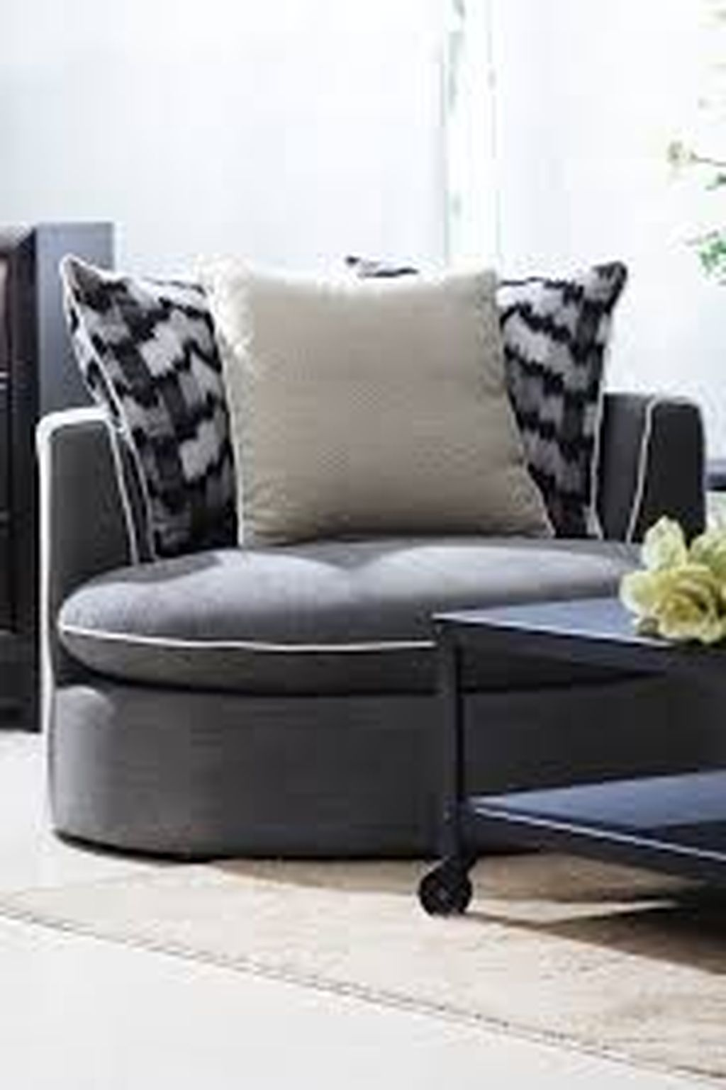 Gorgeous Comfy Chairs Design Ideas For Cozy Living Room 09