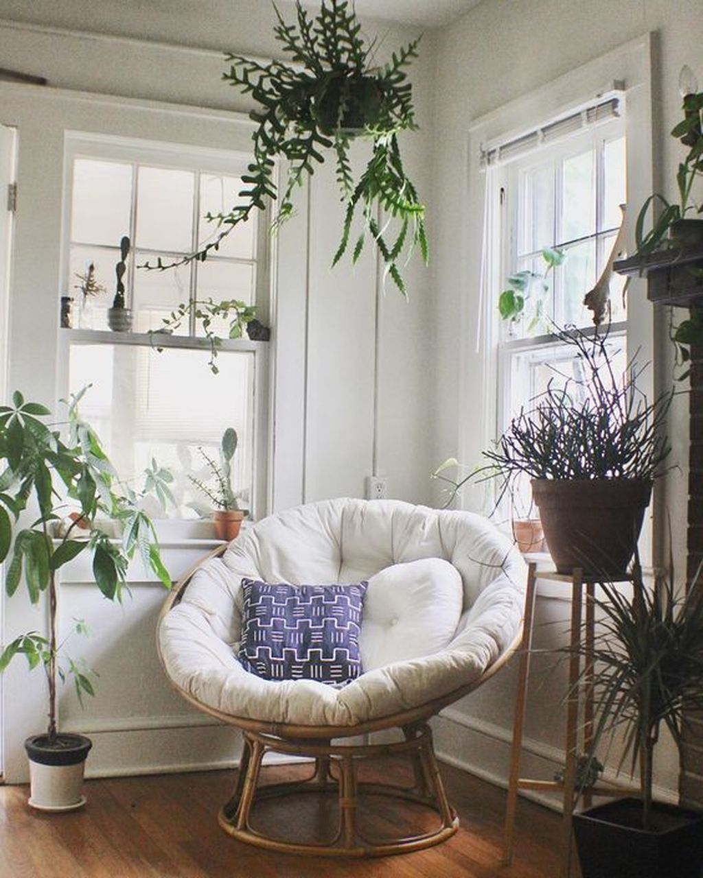 Gorgeous Comfy Chairs Design Ideas For Cozy Living Room 13