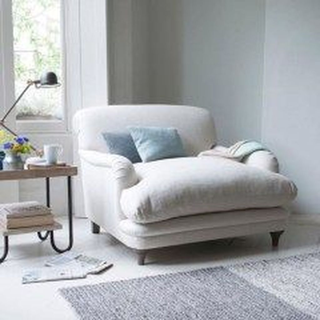 Gorgeous Comfy Chairs Design Ideas For Cozy Living Room 30