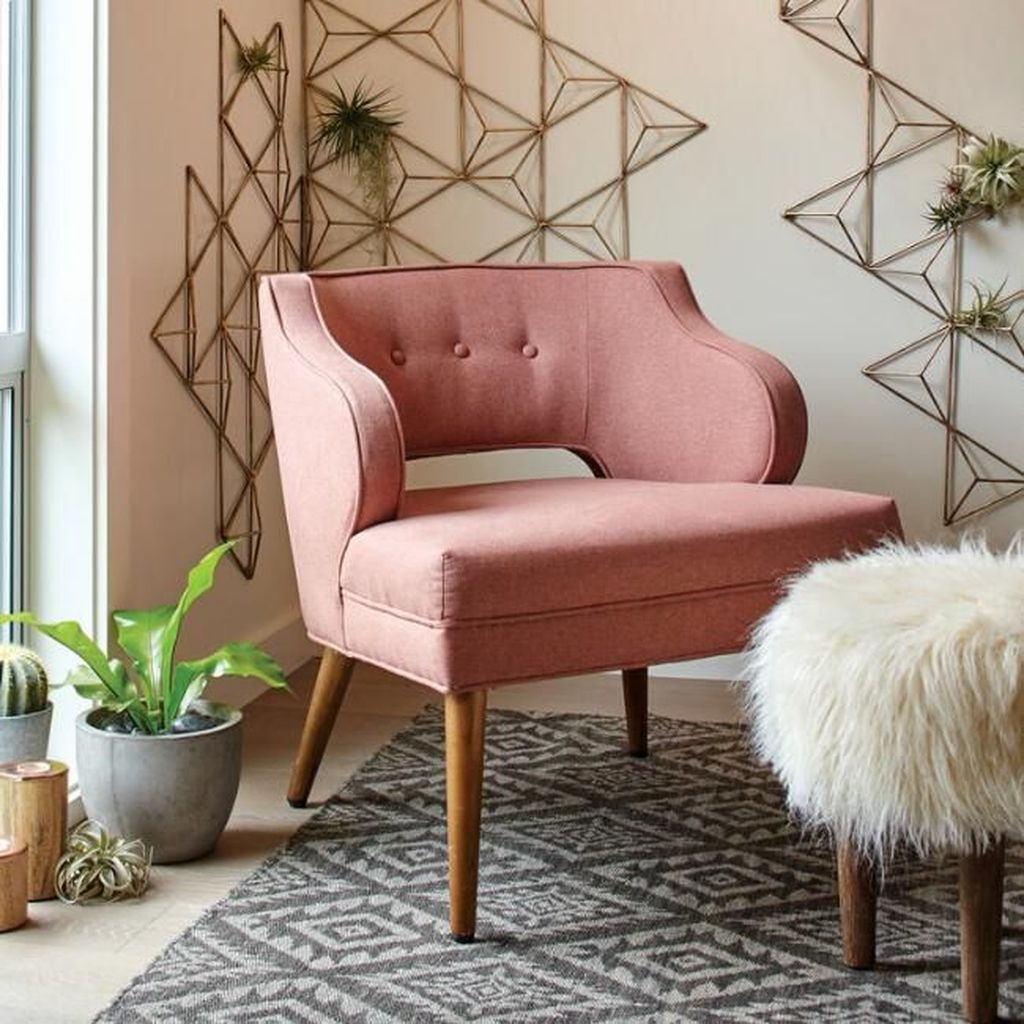 Gorgeous Pink Accent Living Room Decorating Ideas 05