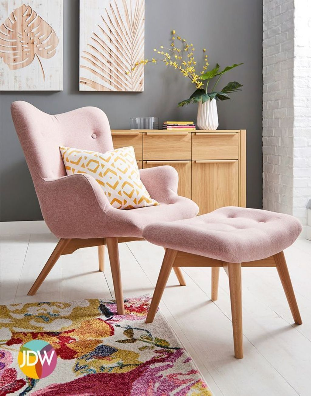Gorgeous Pink Accent Living Room Decorating Ideas 32