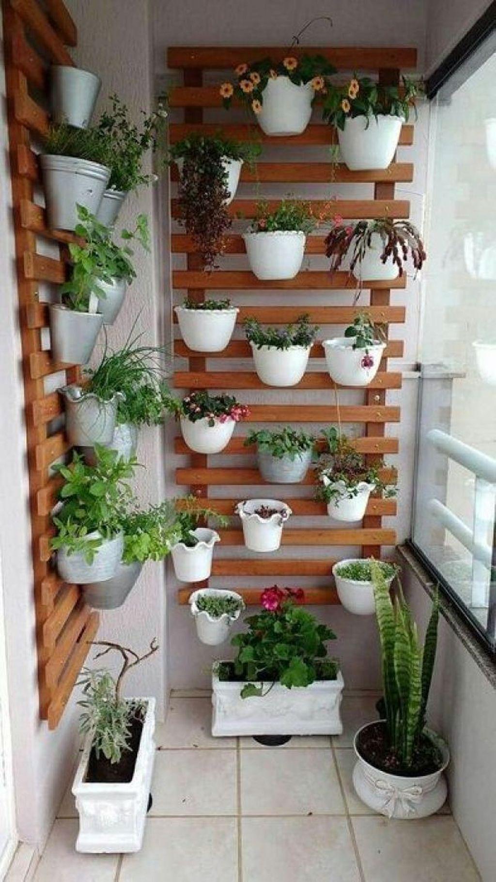 Gorgeous Vertical Garden Ideas Wall Decor 19