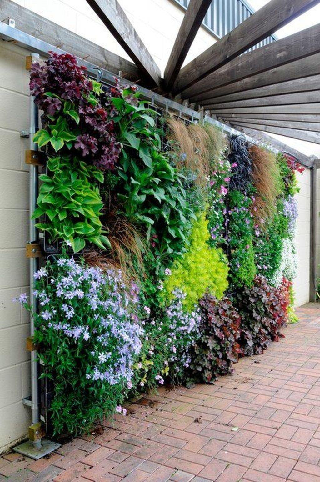 Gorgeous Vertical Garden Ideas Wall Decor 25