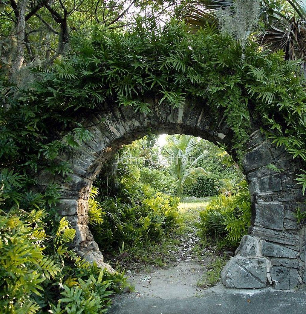Incredible Heavenly Moon Gate Design Ideas 04