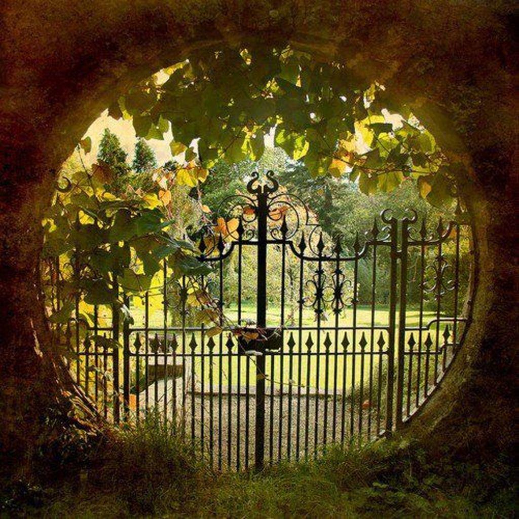 Incredible Heavenly Moon Gate Design Ideas 18