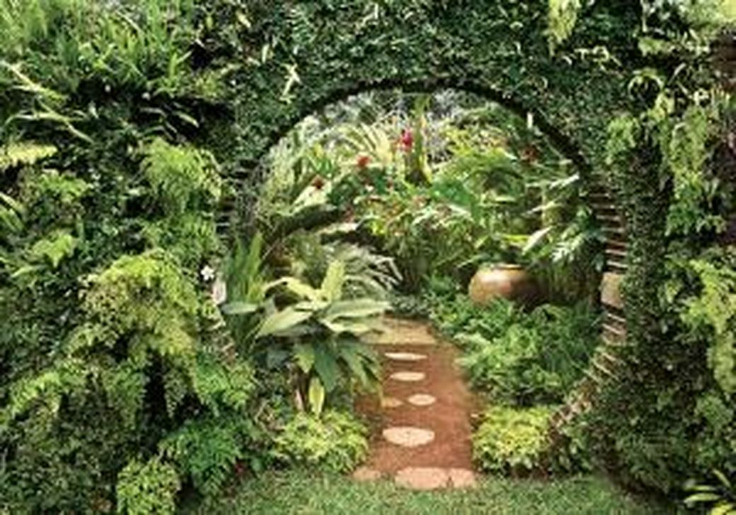 Incredible Heavenly Moon Gate Design Ideas 26