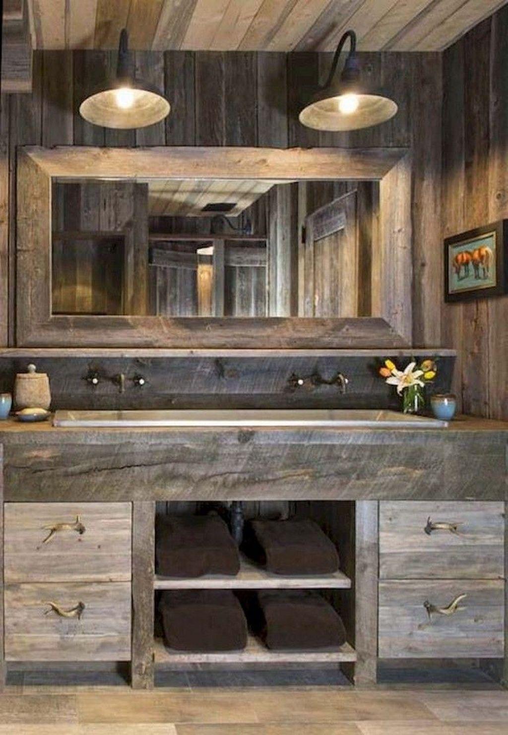 Inspiring Small Modern Farmhouse Bathroom Design Ideas 11