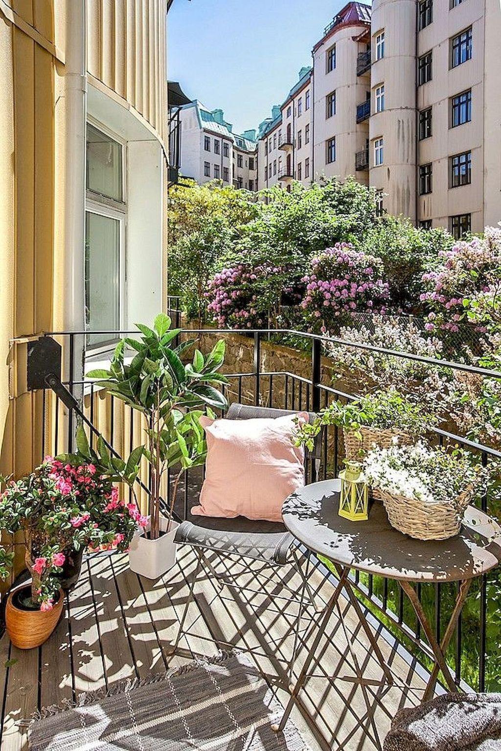 Inspiring Summer Apartment Balcony Decoration Ideas 10