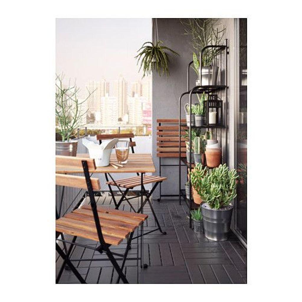 Inspiring Summer Apartment Balcony Decoration Ideas 20