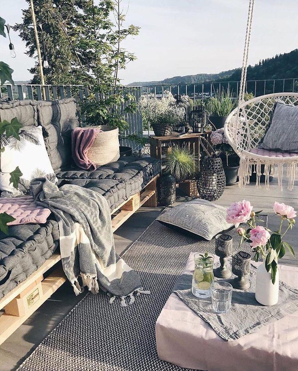 Inspiring Summer Apartment Balcony Decoration Ideas 26