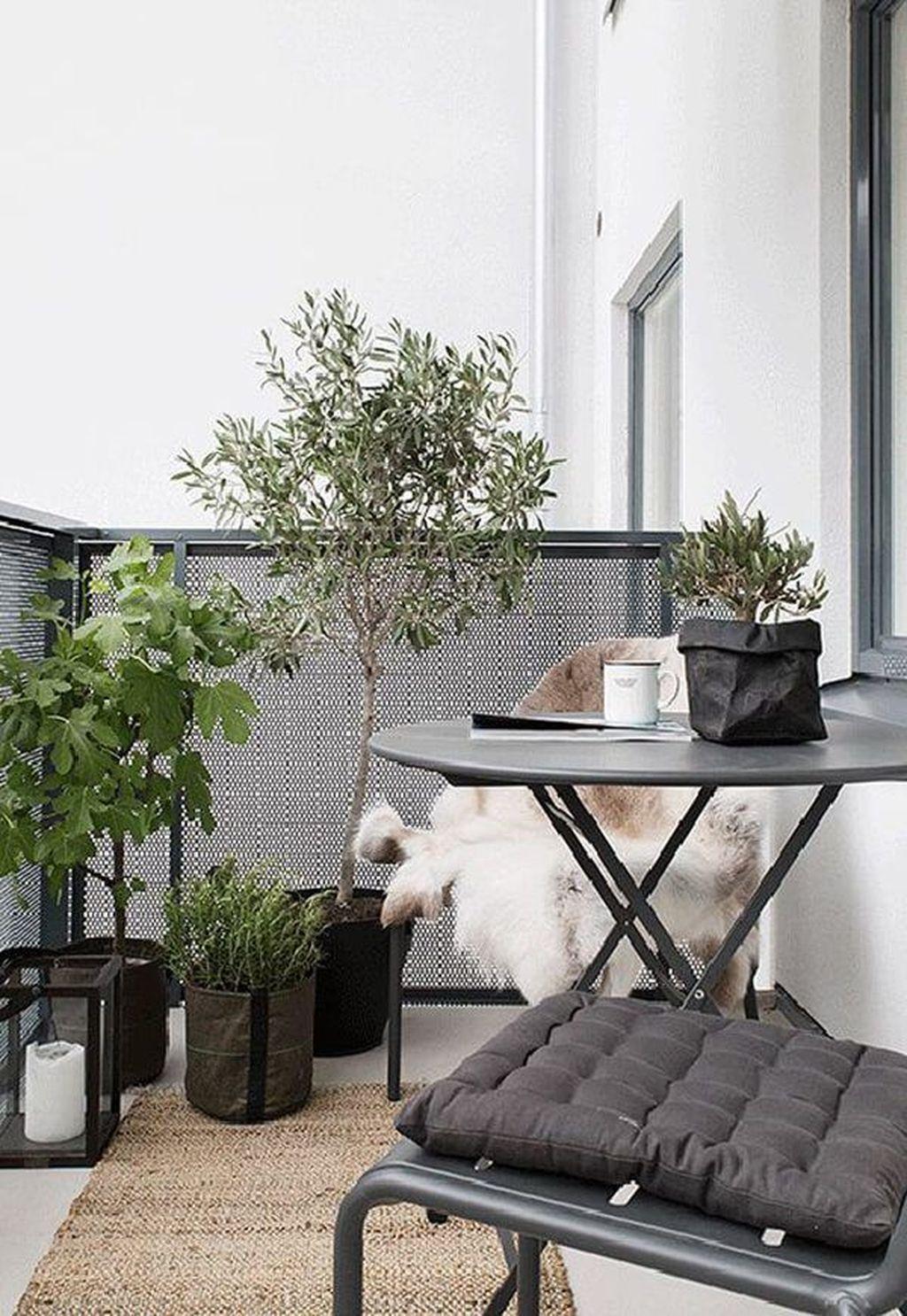 Inspiring Summer Apartment Balcony Decoration Ideas 27