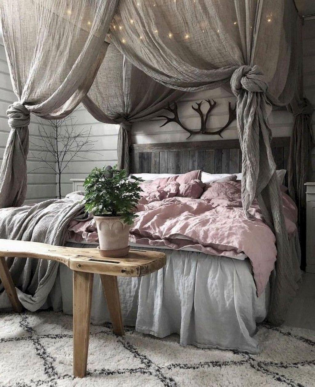 Inspiring Traditional Bedroom Decor Ideas 08