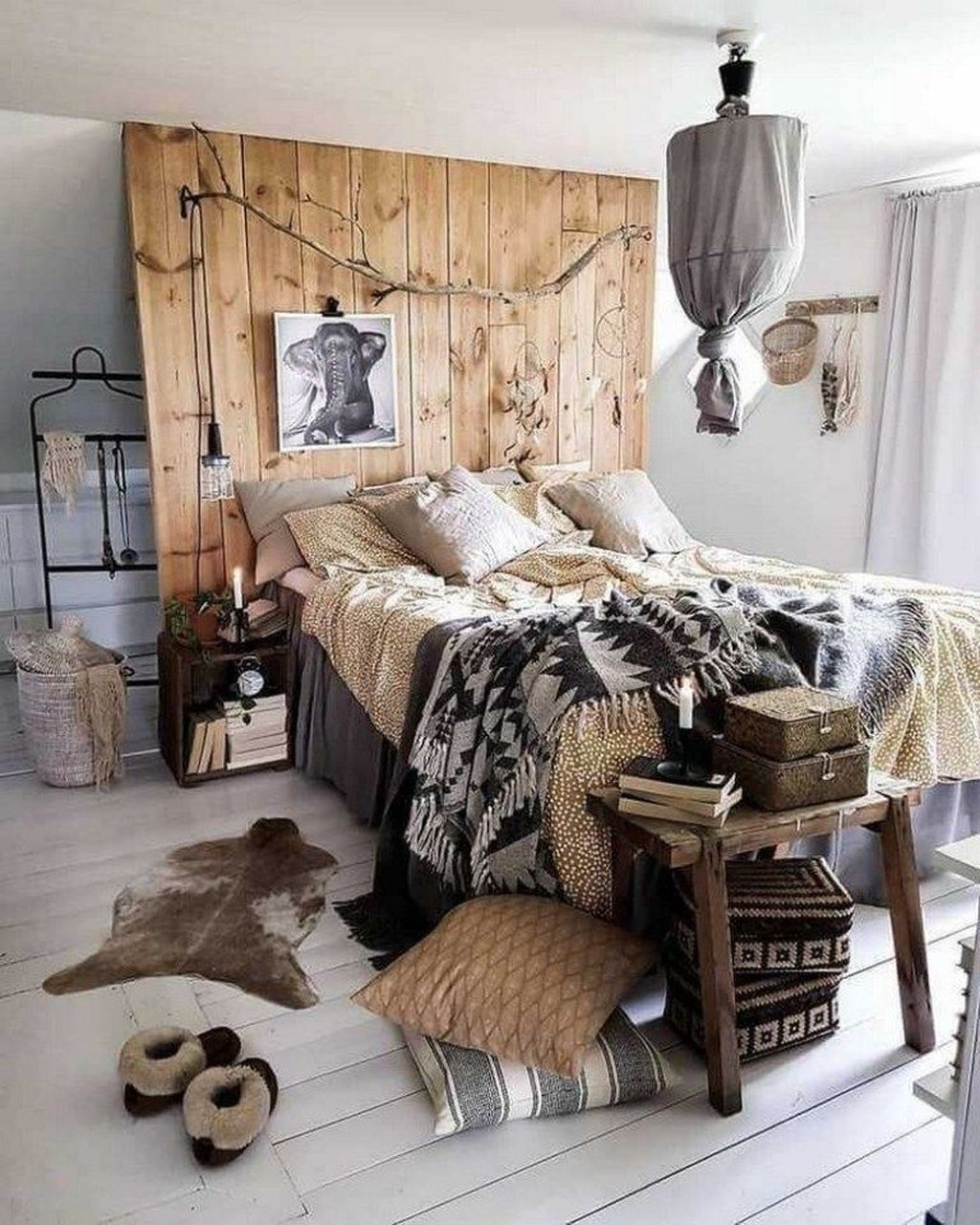 Lovely Eclectic Bedroom Decor Ideas 01