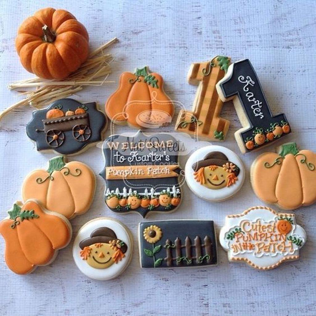 Lovely Fall Pumpkin Decor Ideas 27