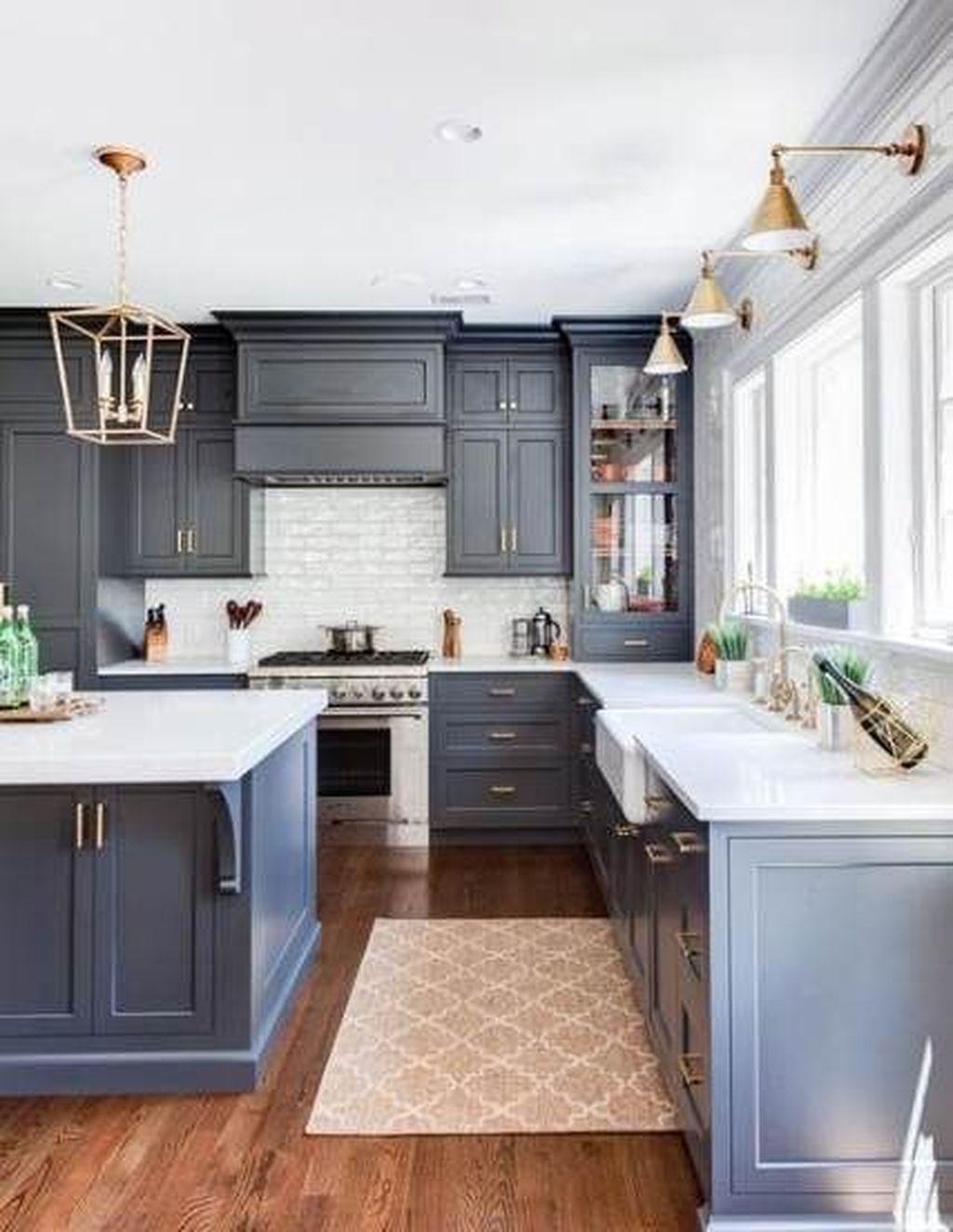Lovely Grey White Kitchen Design Ideas 13