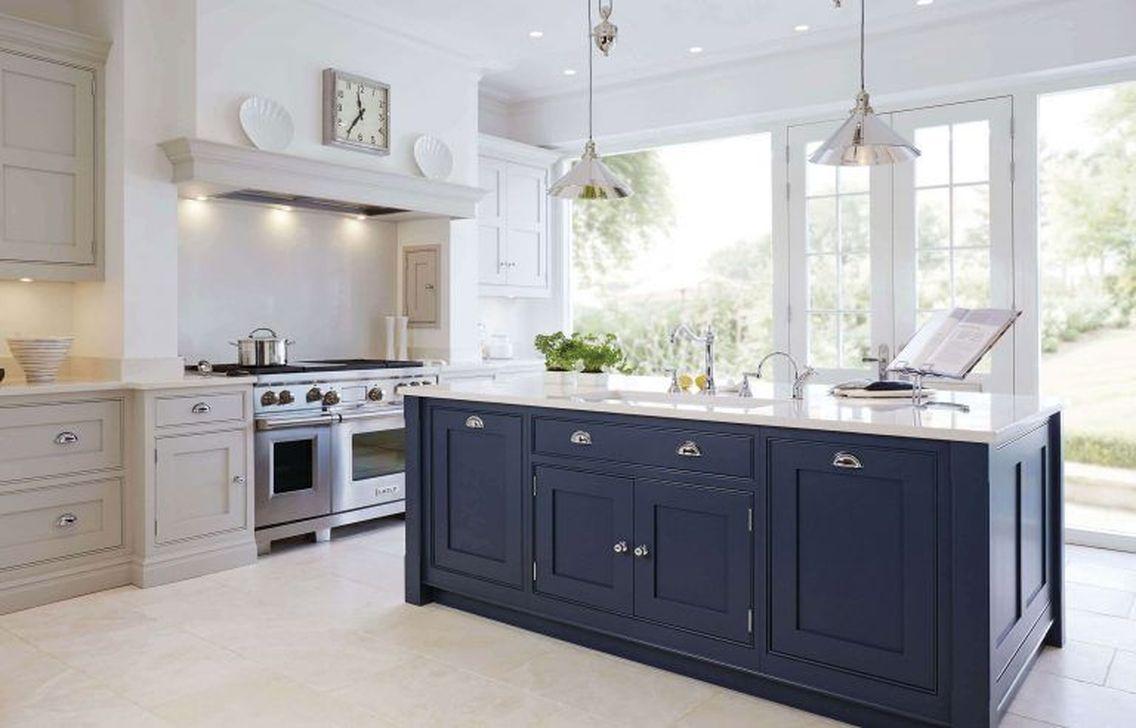 Lovely Grey White Kitchen Design Ideas 16