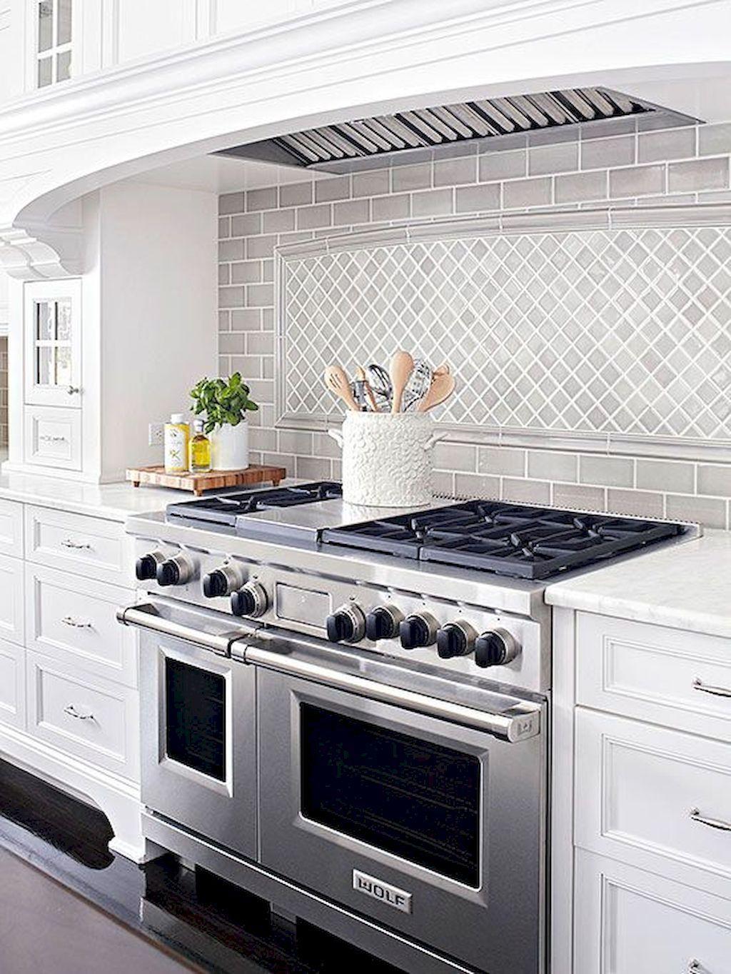 Lovely Grey White Kitchen Design Ideas 25