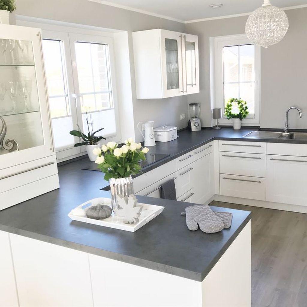 Lovely Grey White Kitchen Design Ideas 32