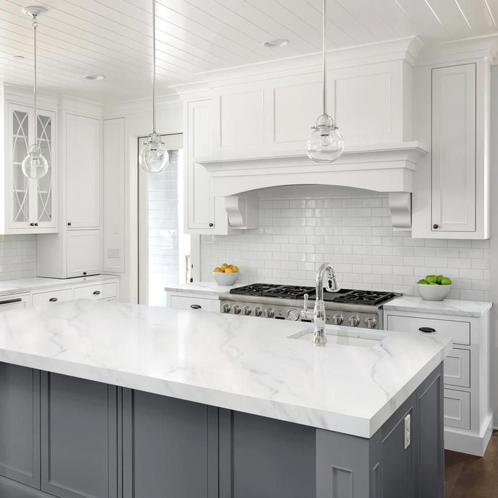 Lovely Grey White Kitchen Design Ideas 33