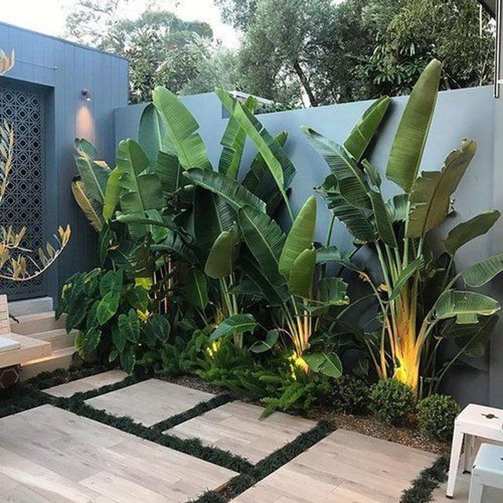 Lovely Tropical Garden Design Ideas 01